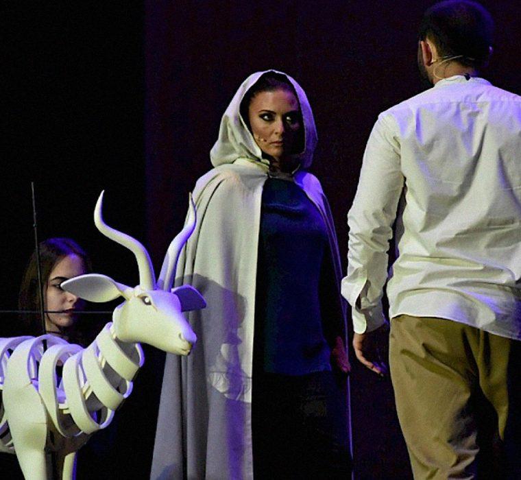 Aberta convocatória para narradora de ópera 11
