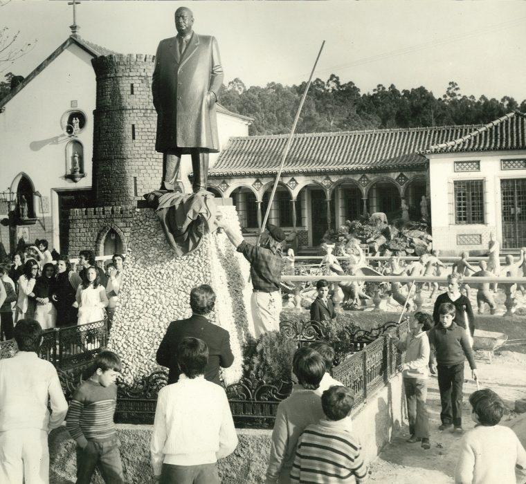 """COMPANHIA PERSONA [PT] - """"O que contam as estátuas"""" 1"""